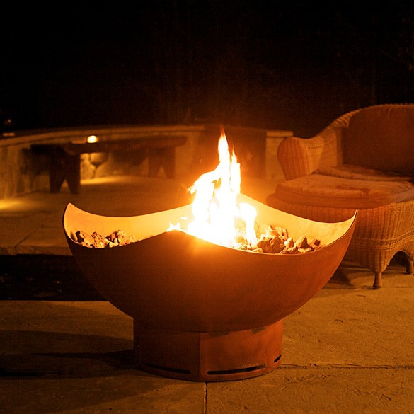 Manta Ray Outdoor Gas Fire Pit with Electronic Ignition